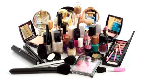 Venda direta de produtos de beleza é mais forte no Brasil
